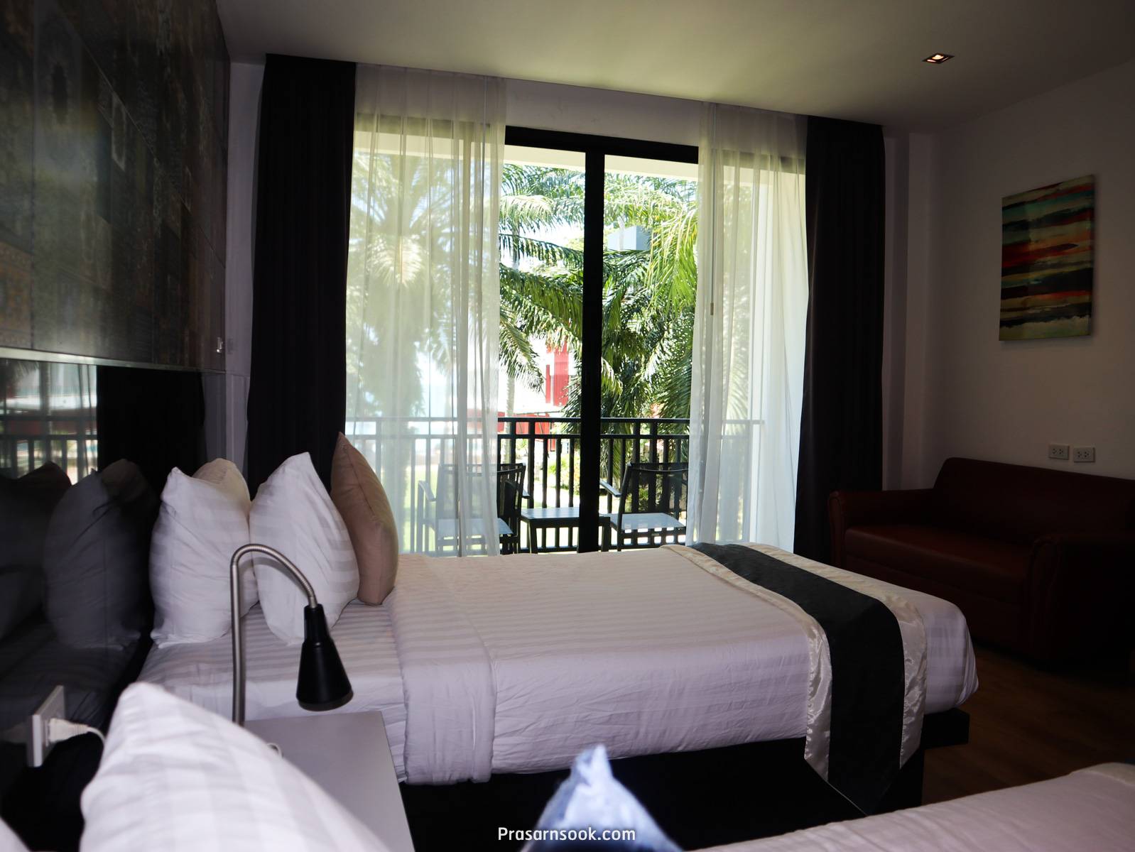 GARDEN DELUXE ROOM ห้องพักสวนวิวทะเล
