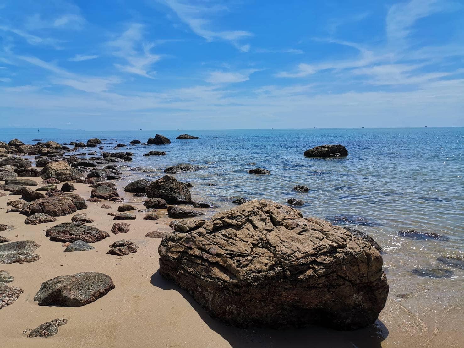 หาดหินงาม at ประสานสุข วิลล่า บีช รีสอร์ท